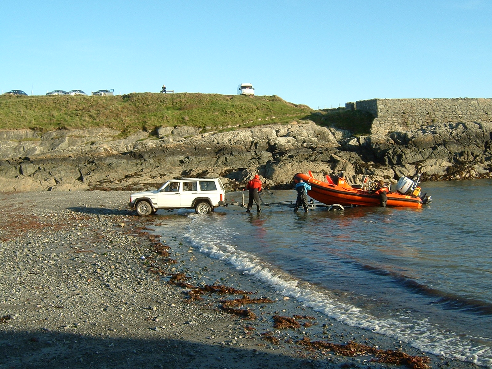 Club_boat_recovery_in_north_Wales
